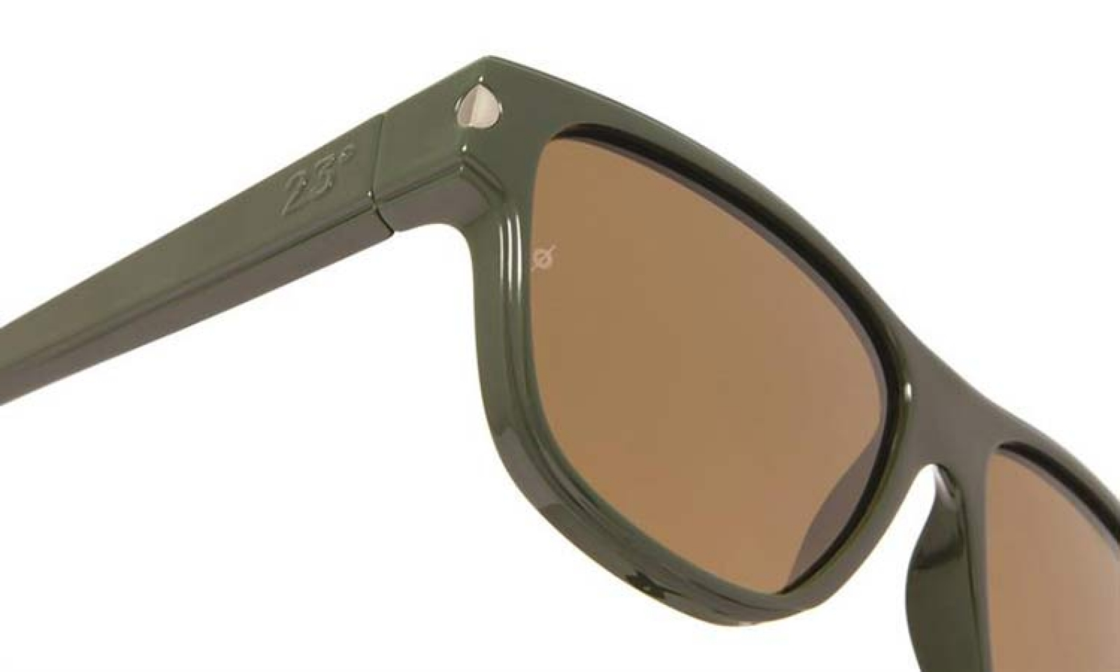 Νέα συλλογή από την 23° Eyewear με φακούς Barberini