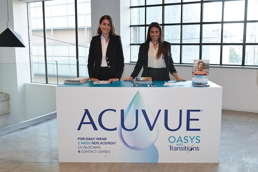 Οι Νέοι Καινοτόμοι Φακοί Επαφής ACUVUE® OASYS with Transitions™ Light Intelligent Technology™ από την Johnson & Johnson Vision