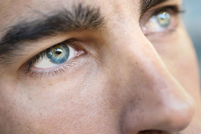 Η καθημερινή συνήθεια που τριπλασιάζει τον κίνδυνο να χάσετε την όραση σας!