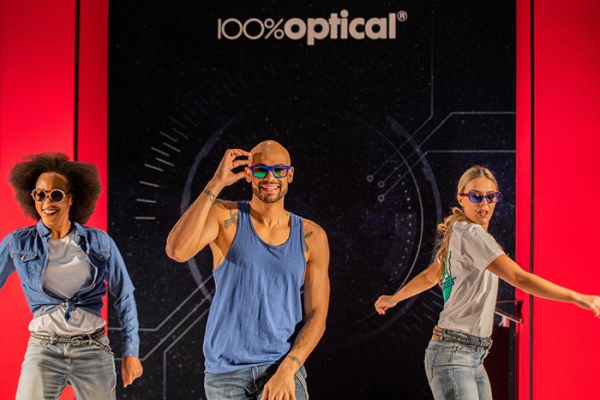 Λονδίνο - Εκρηκτικό το ξεκίνημα της 100% Optical!